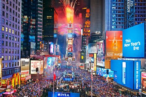 Best New Year's Eve fireworks in NYC to ring in 2016