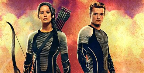 'Catching Fire' movie: New Katniss and Peeta Victory banner
