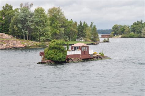 Houseboat Holidays - Private Day Charters (Gananoque