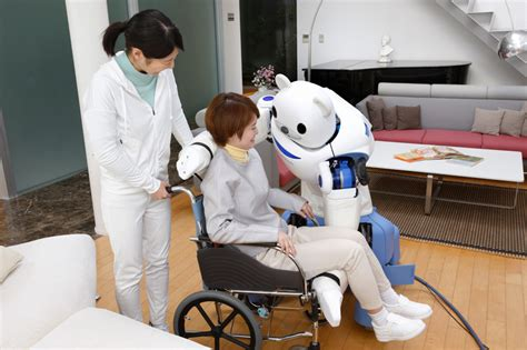 RIKEN's ROBEAR robot assists nurses when caring for their