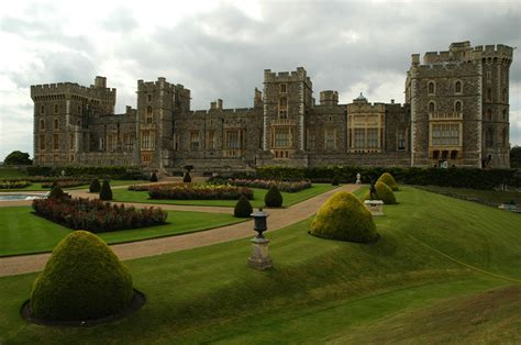 Windsor Castle: A Look at the World's Oldest Castle