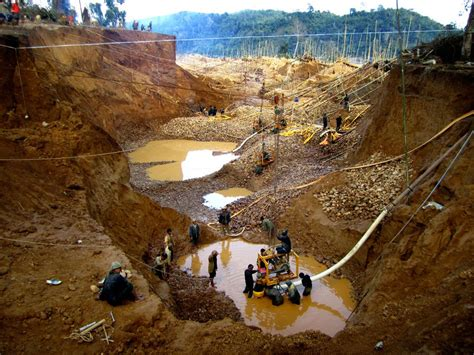 Nigeria Loses 100kg Of Gold Daily To Illegal Miners – Fayemi