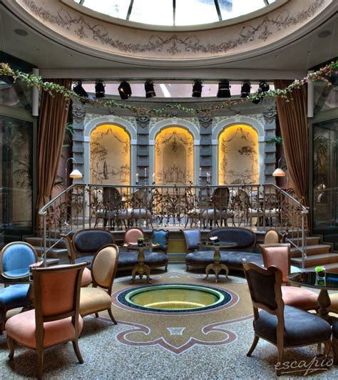 Hotel Château Monfort in Mailand, Italien | Milan, Italy