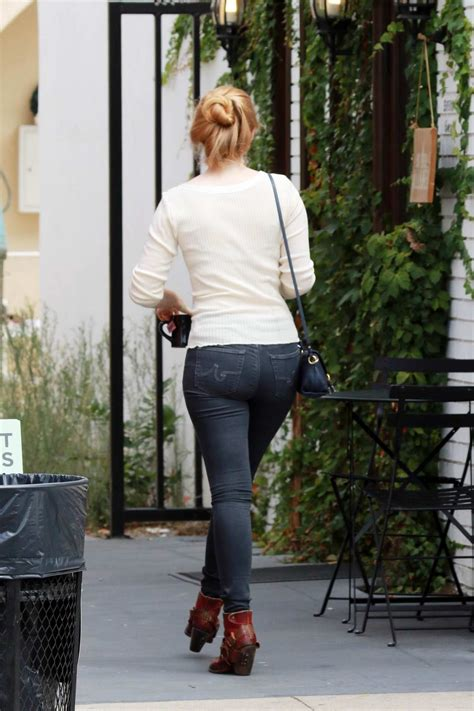 molly quinn out for lunch with a friend in studio city