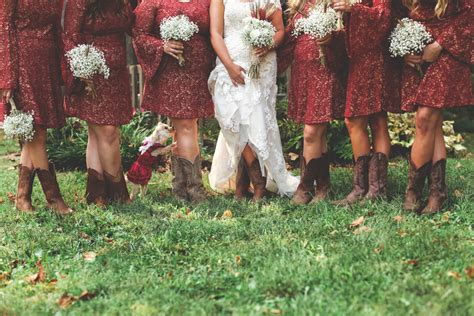 A Rustic Fall Wedding With Pops of Deep Red | Wedding Colors